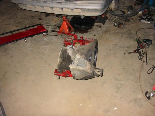 Tranny removed from 1992 Caravan. Same transmission as the 2002 & 2003 Neon.